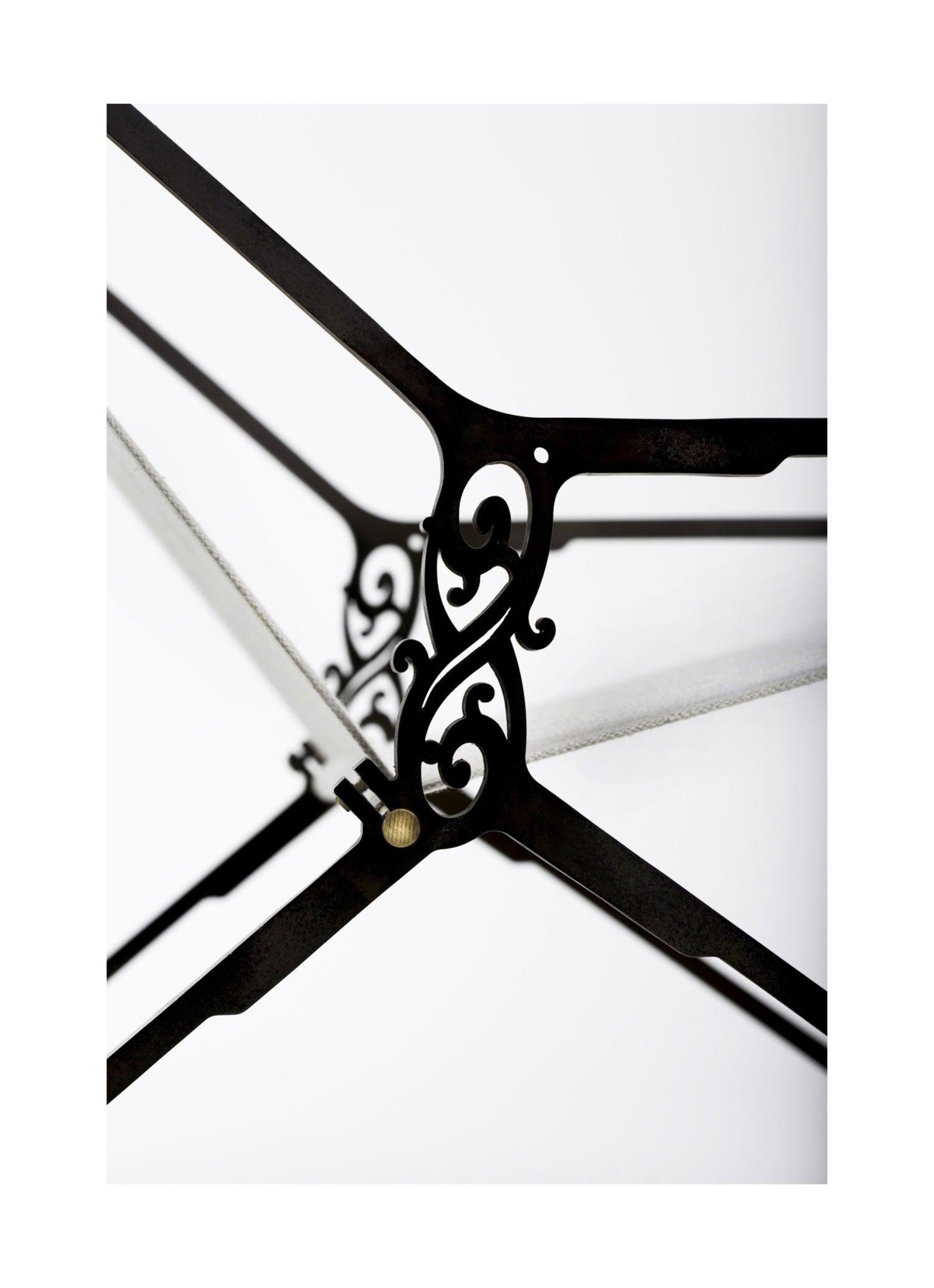 loom's chair detail
